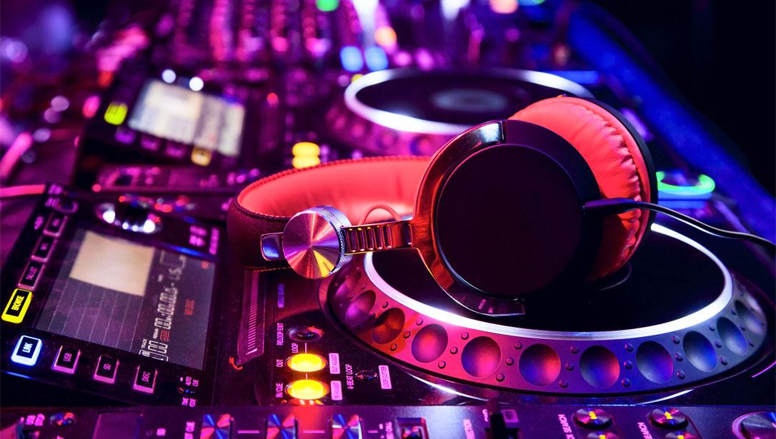 Purchasing the Right DJ Equipment